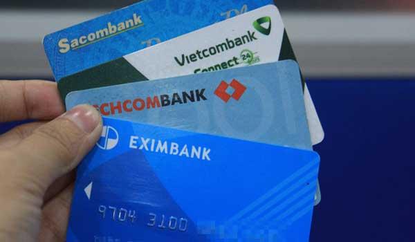 Để tiền trong tài khoản ATM có lãi nhưng rất thấp