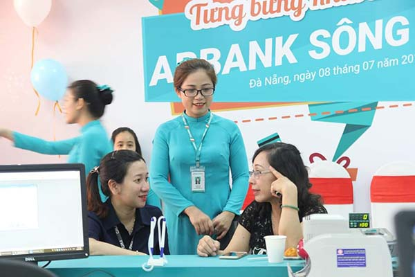 Hướng dẫn cách tính lãi suất gửi tiền tiết kiệm ABBank