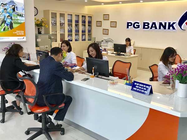 Đội ngũ cán bộ nhân viên trẻ trung năng động của PG Bank
