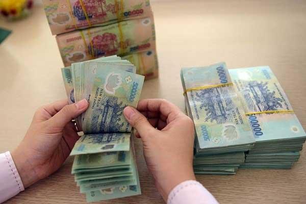 Lãi suất gửi tiết kiệm 400 triệu của 1 số ngân hàng