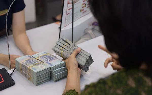 Gửi tiết kiệm 700-800 triệu ngân hàng