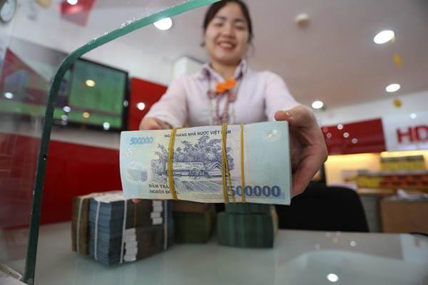 Rút tiền gửi tiết kiệm trước kỳ hạn