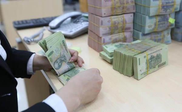Thủ tục rút tiền gửi tiết kiệm trước kỳ hạn