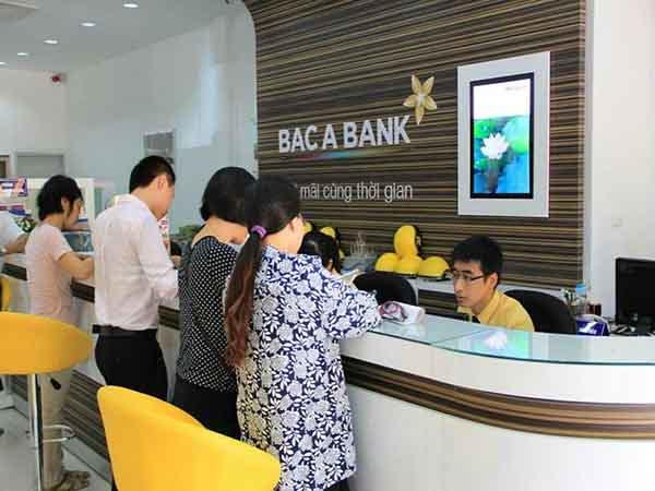 Khách hàng đang gửi tiền, vay tiền tại ngân hàng Bắc Á